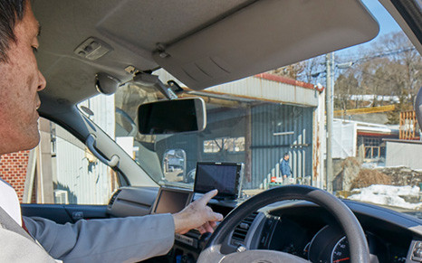「iバス」に設置されたカーナビ