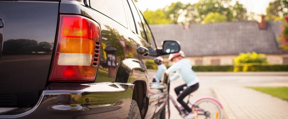 営業車を運転するときに注意すべき 「歩行者にまつわる事故」